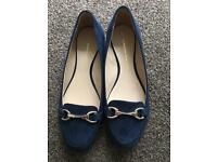 Dorothy Perkins Navy Suede and gold flat shoes size 5