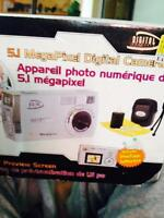 5.1 MegaPixel Digital Camera