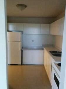 Conveniently Located 1 & 2 Bedroom Suites! Kawartha Lakes Peterborough Area image 3