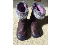 Lovely Clarkes toddler boots size 6F