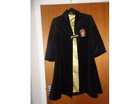 Harry Potter Hogwarts Gryffindor cloak age 6-8 years - Halloween party fancy dress - Only £10