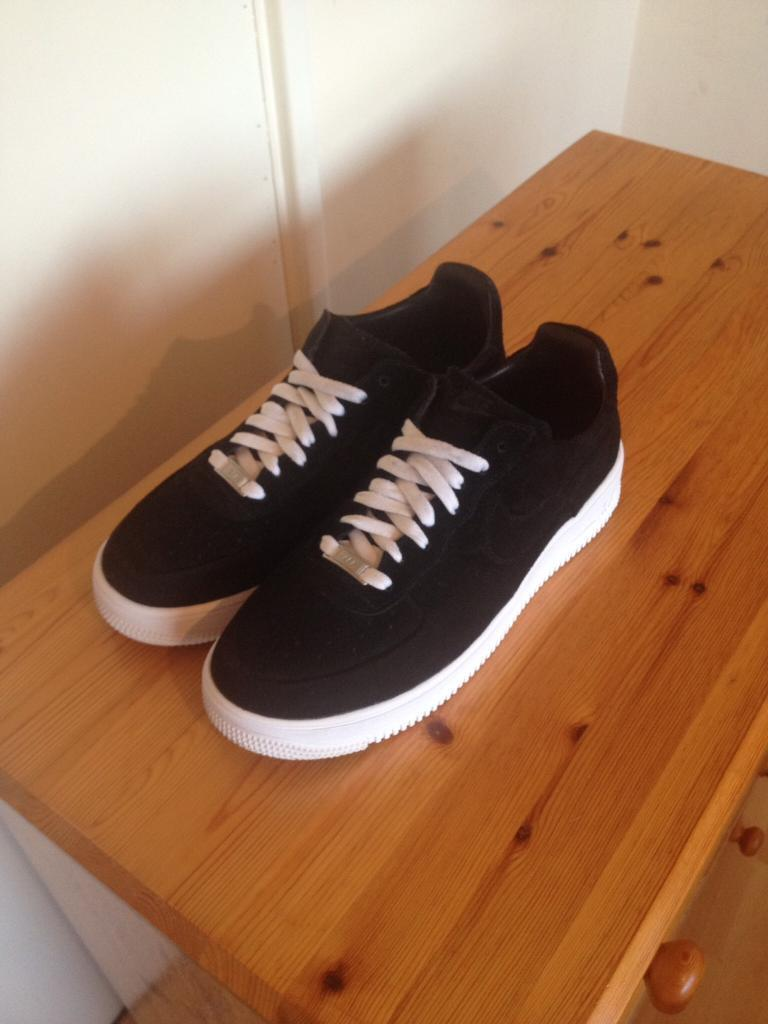 Air Force 1 - black/white suede - size 8.5