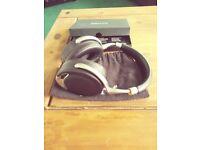 Parrot zik noise cancelling bluetooth headphones
