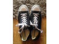 Converse all star black/white shoes