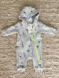 BNWT pram suit 0-3month , lightweight, ideal for autumn