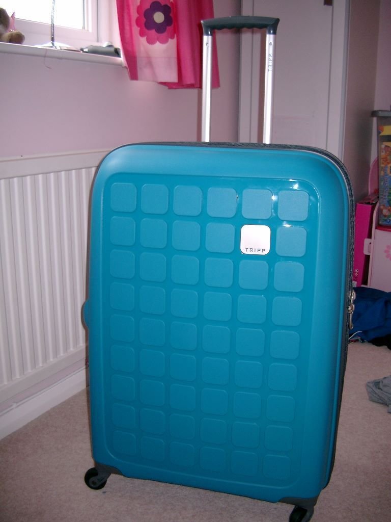 New TRIPP Holiday 5 Large 4 Wheel Suitcase | in Waterlooville ...