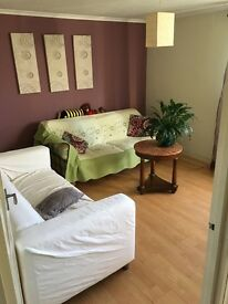Double room for single or couple