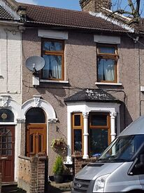 3 Bedroom house £1700 pcm