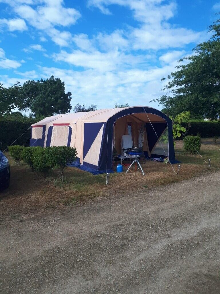 Trigano Galleon trailer tent, 2014. With zip-in awning ...