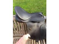 WINTEC SYNTHETIC SADDLE with adjustable gullet