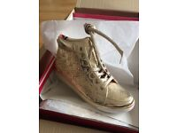 Gorgeous gold hi top boots (louboutin style size 5 new in box