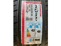 Brand new Tyre roadstone Range rover evoque