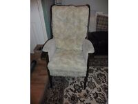 WOODEN CHAIR IN GOOD CONDITION IDEAL FOR UPCYCLING BARGAIN AT £20