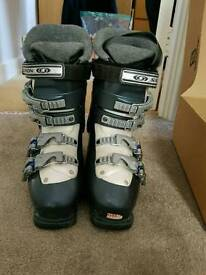 Salomon ladies ski boots. Size 22