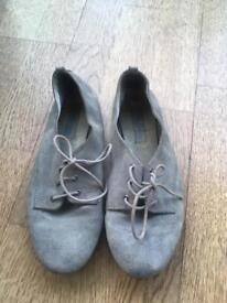 Suede grey ZARA pumps / women's shoes size 4