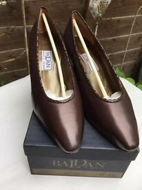 BADLAN Italian Leather court shoes size 41.5/7
