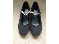 RAD Character syllabus canvas shoes, low heel, good condition, size 2 - £5