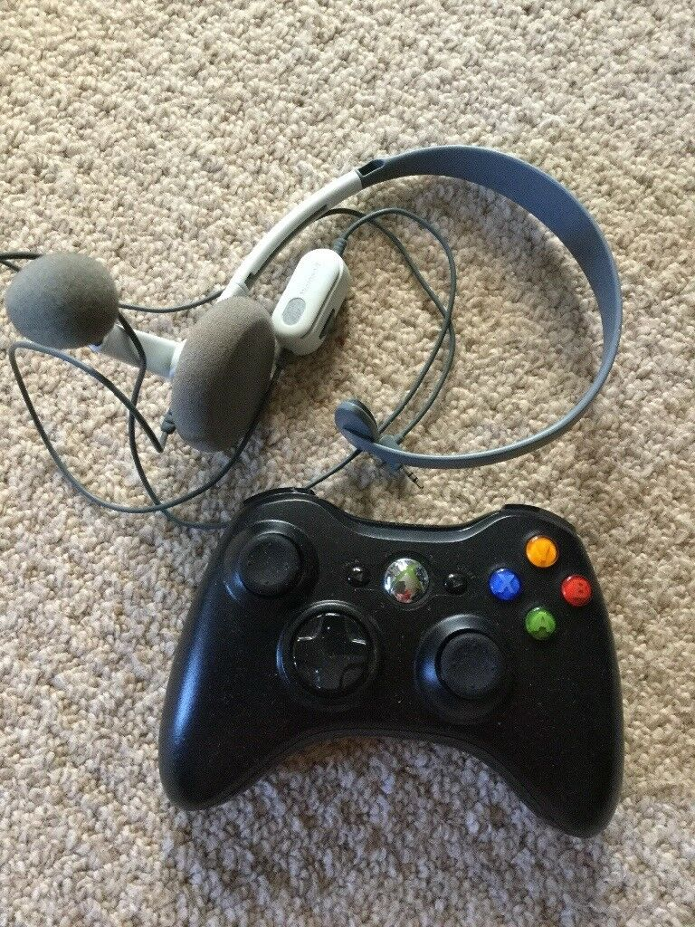 Xbox360 Controller, Headphones & 4 Games