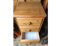 2 x Bedside 3 chest drawers, solid pine in great condition, just no longer needed