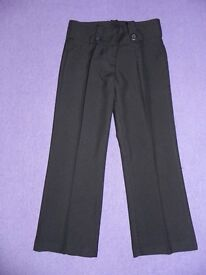 Girls Black School Trousers Aged 4-5 years Excellent condition
