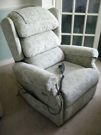 ELECTRIC RECLINING CHAIR, (COMFORTABLE BUT NEEDS ATTENTION) TRURO CORNWALL