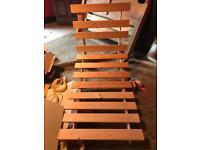Single pine footon frame