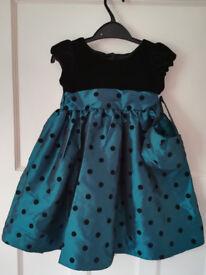 Party or wedding dress with a bag size 2-3 years new with tag