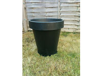 Big plant pots, good condition