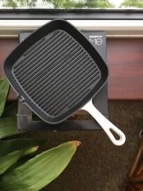 Cast iron griddle pan ( brand new)