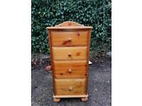 Pine chest of drawers and set of book shelfs