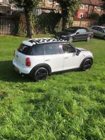 Mini Countryman Cooper pearl white 2012 top spec fully loaded, Sat Nav Aux CHEAPest online