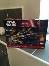 Star Wars Build and Play Model Kit