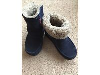 Fitflop Women's Mukluk Moc 2 Boots, Size 5 in Navy