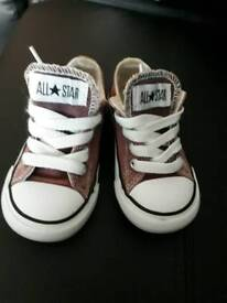 Genuine converse toddler's size 6