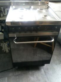Gas cooker like new its a LofrA_in 4 ring soon see will get very nice lookind