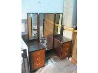 VINTAGE UNUSUAL DRESSING TABLE WITH LONG CENTRAL MIRROR. IDEAL AS IS OR PAINTED. VIEW/DELIVERY POSS
