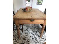 Oak farmhouse table. Seat 4/6. 120cm L 85D 77H with storage draw.