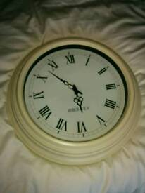Metal traditional style wall clock, cream