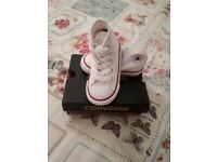 Brand new white infant hi-top converse