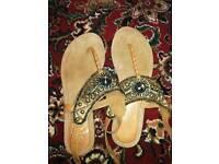 Size 6 sandals! 🌸