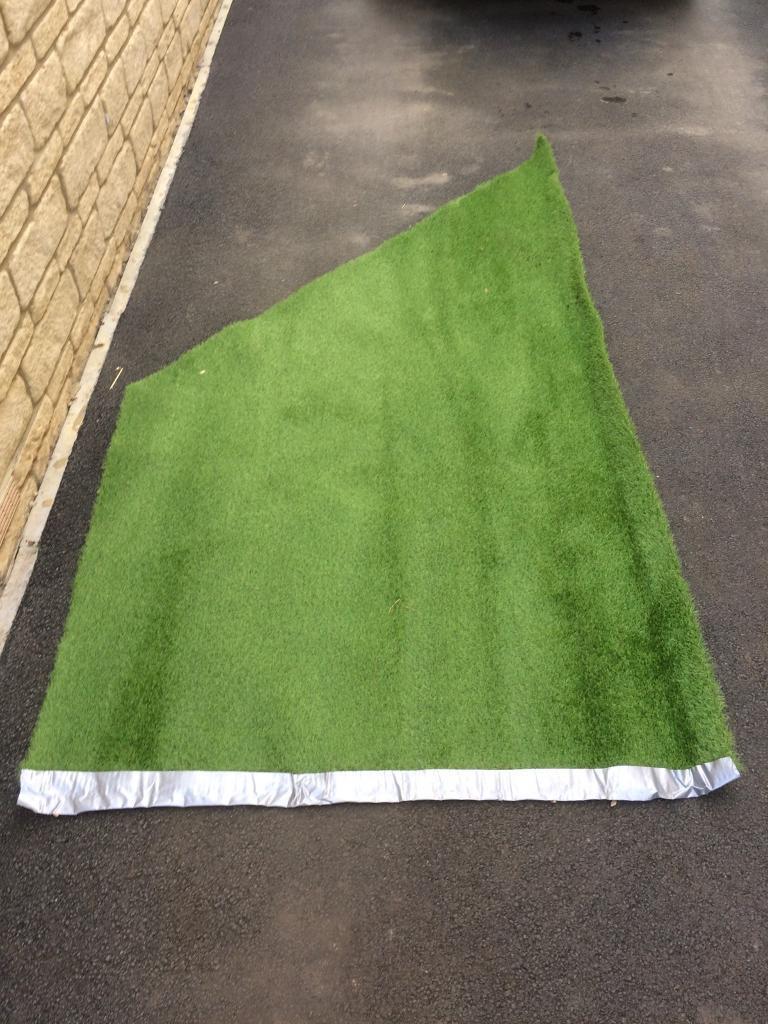 Artificial grass OFF CUTS. Carterton ...