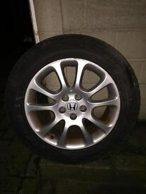 Honda crv 18 original alloys and best condition tyres