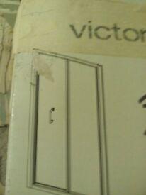 Victoria Plum 700mm Bi-fold Door and 800mm Side Panel