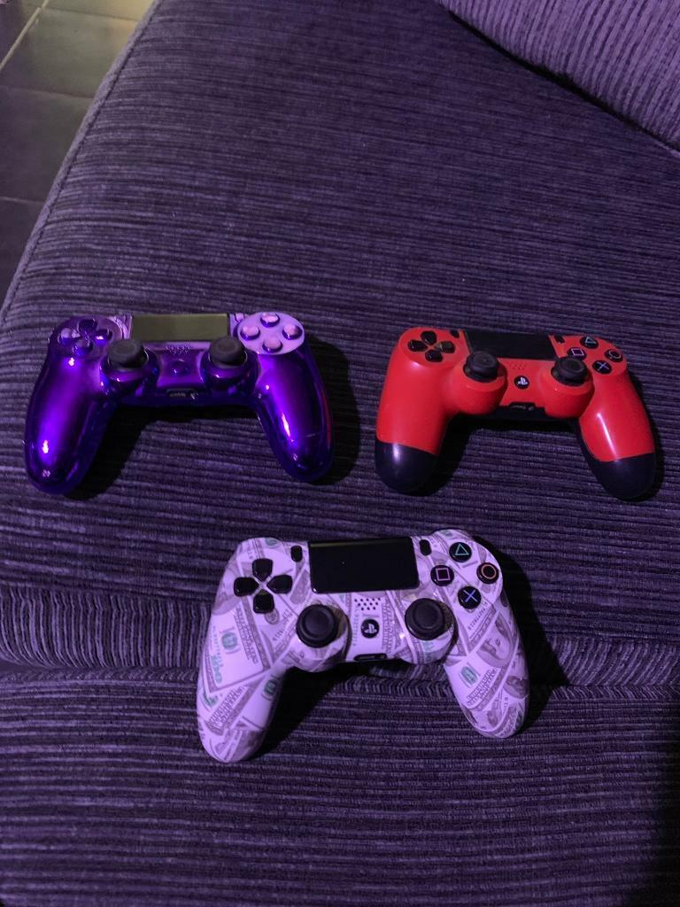 PS4 controllers | in Carterton, Oxfordshire | Gumtree