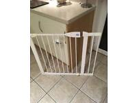 Lindam baby gate with 2 extension packs
