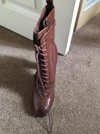 Lovely autograph boots 2x pairs