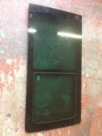 Volkswagen Transporter T5 side window