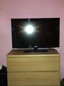32in LCD Television with freeview
