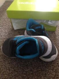 Adidas neo toddler trainers blue and black size 6