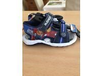 Kids avengers sandles never been worn size 7, collection only, excellent condition